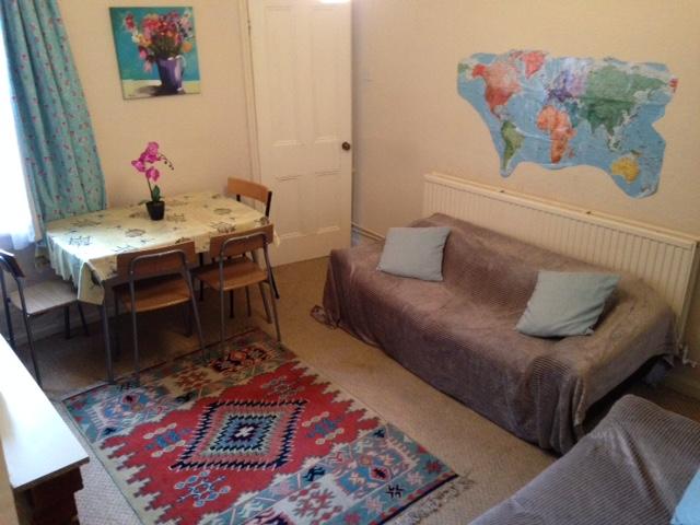 179harrow-lounge3
