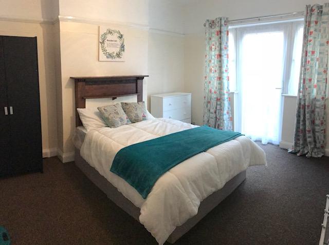 Braunstone-Ave-room-2