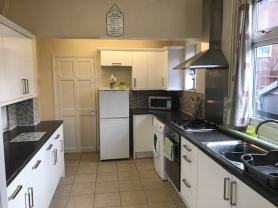 BraunstoneAve-kitchen2